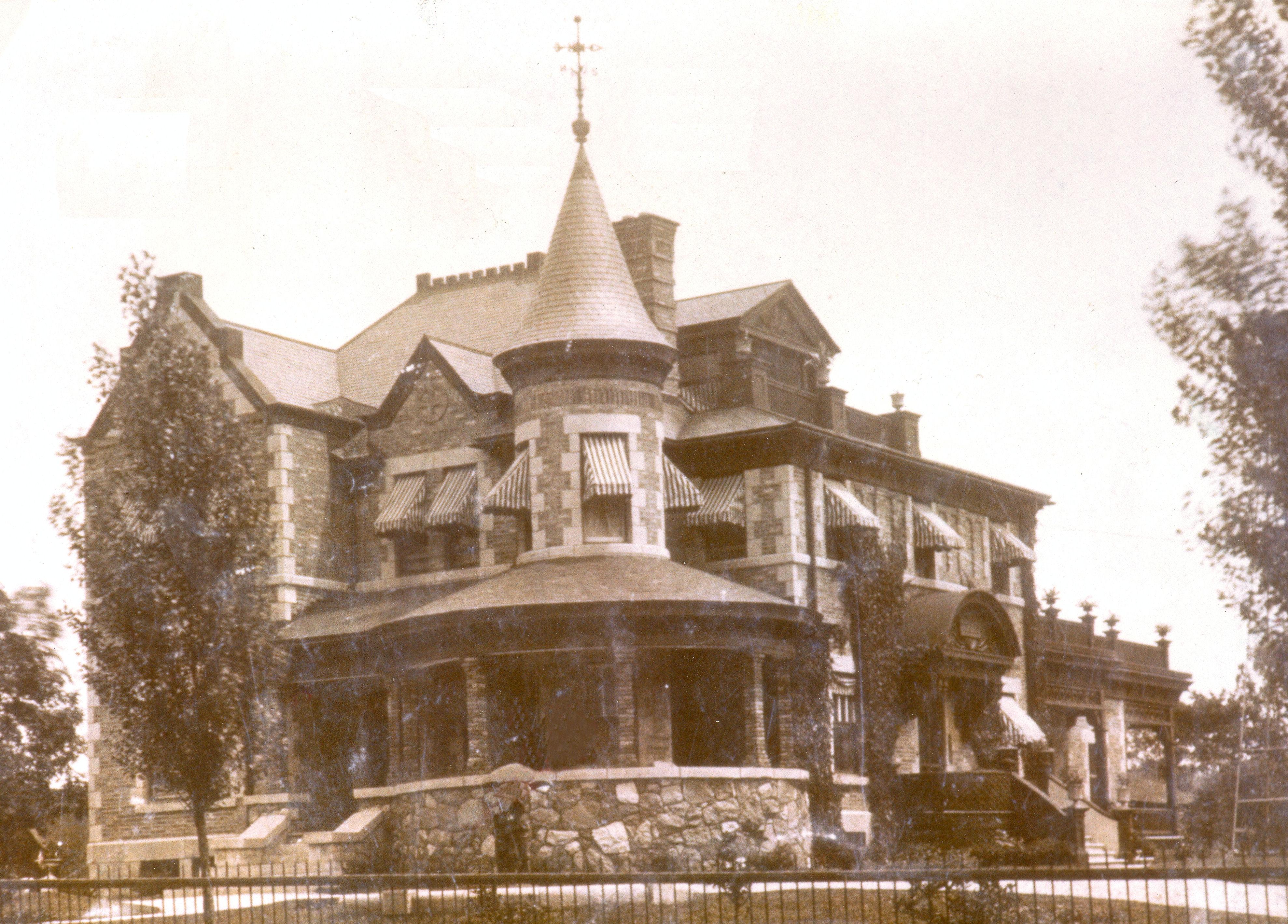 historique du chteau pierrefonds ste gen_entre 1902 et 1990_15 928 gouin o_chteau pfds_disp_ - Chateau De Pierrefonds Mariage
